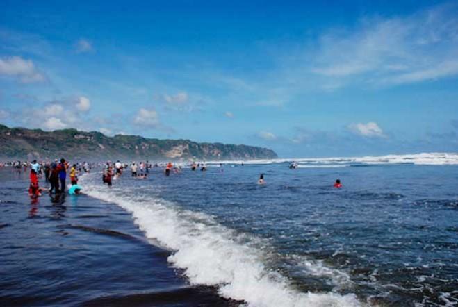 Wisata-Pantai-Parangtritis-659x442