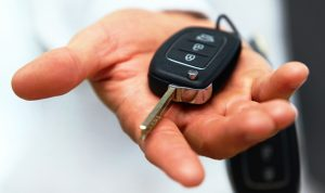 tips-sewa-mobil-lepas-kunci