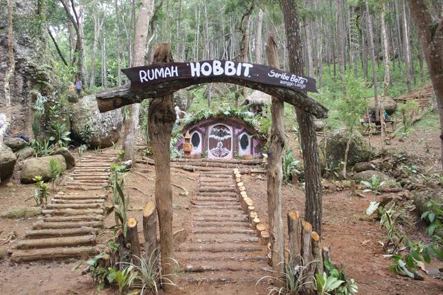 wisata-songgo-langit-rumah-hobbit
